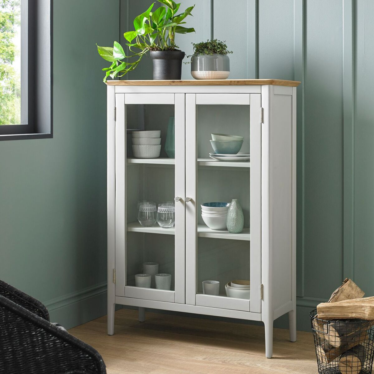 Hereford Astley Glazed Cabinet