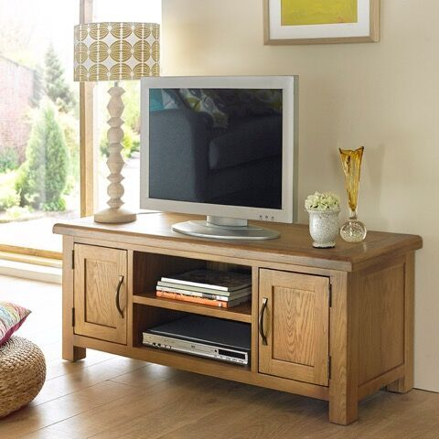 Hereford Saxon Oak Plasma TV Unit
