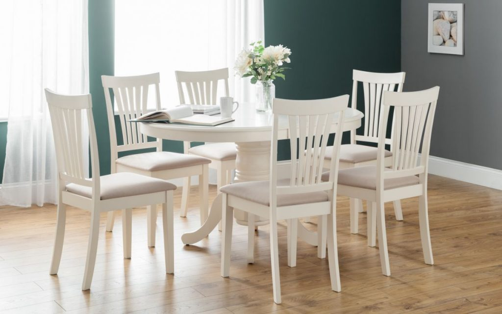Julian Bowen Stamford Circular Extending Table & 4 Chairs
